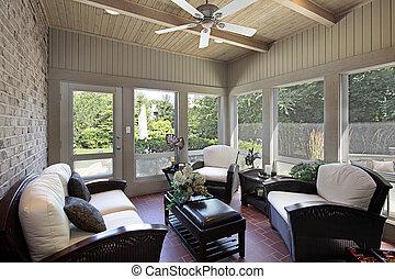 Porch mit Holzdeckenstrahlen