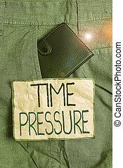 pressure., front, innenseite, bedeutung, hose, bekommen, begriff, klein, wenig, paper., handschrift, weniger, oder, mann, aufzeichnung, gemacht, needed, als, geldbörse, tasche, schreibende, sachen, text, gewünscht, zeit
