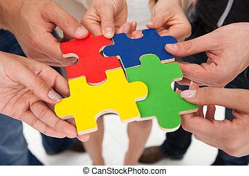puzzel, beitritt, businesspeople, stücke