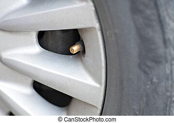 Reifen aufblasbar in einem Radwagen.