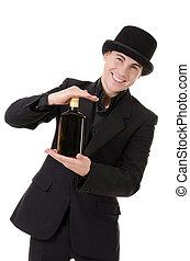 Retro-Sylish Man zeigt Flaschen mit Alkohol