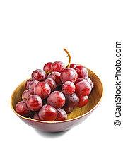 Süße rosa Trauben isoliert im weißen Hintergrund