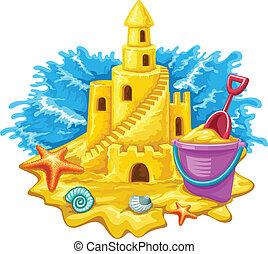 Sandburg mit Kinderspielzeug und blauen Wellen im Hintergrund