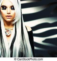 Schönheitsmode Mädchen schwarz und weiß.