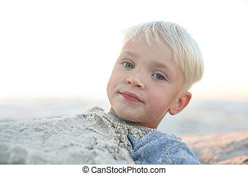 Spaß im Sand am Strand.