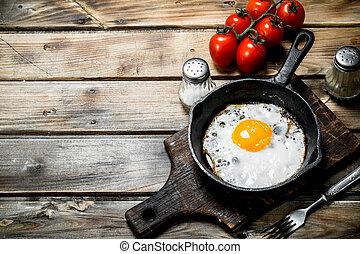 spiegelei, tomatoes., pfanne