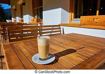 tisch, bohnenkaffee, glas, latte, becher