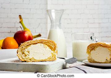 tisch, vanillesahne, gebäck, rolle