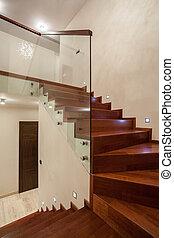 Travertine-Haus - Treppe