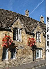 Typisch Cotswolds Häuser
