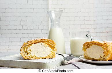 Vanille-Creme-Roll-Pasterei.