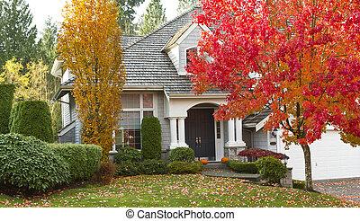 Wohnheim in der Herbstsaison