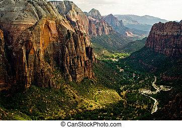 Zion Canyon, gesehen von Engeln, die im Zen Nationalpark in Utah landen