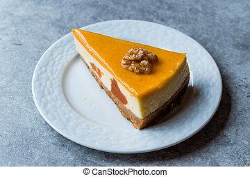 zuckerguß, karamell, walnuß, kã¼rbis, käsekuchen
